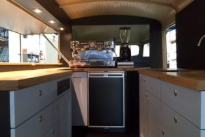 Interieur HY-koffiebus